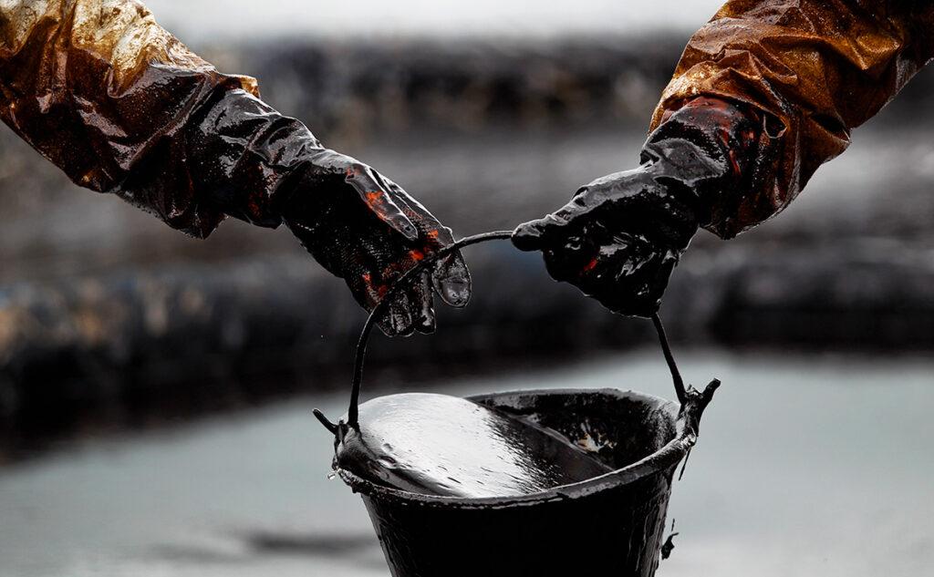 Стоимость нефти выросла